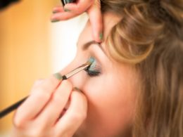 Choosing the Right Eyeshadow an Easy Way